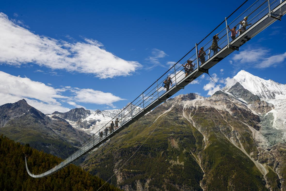Nejdelší visutý most pro pěší ve Švýcarsku