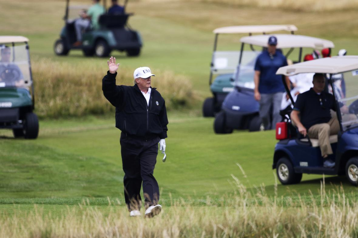 Donald Trump na golfu ve Skotsku