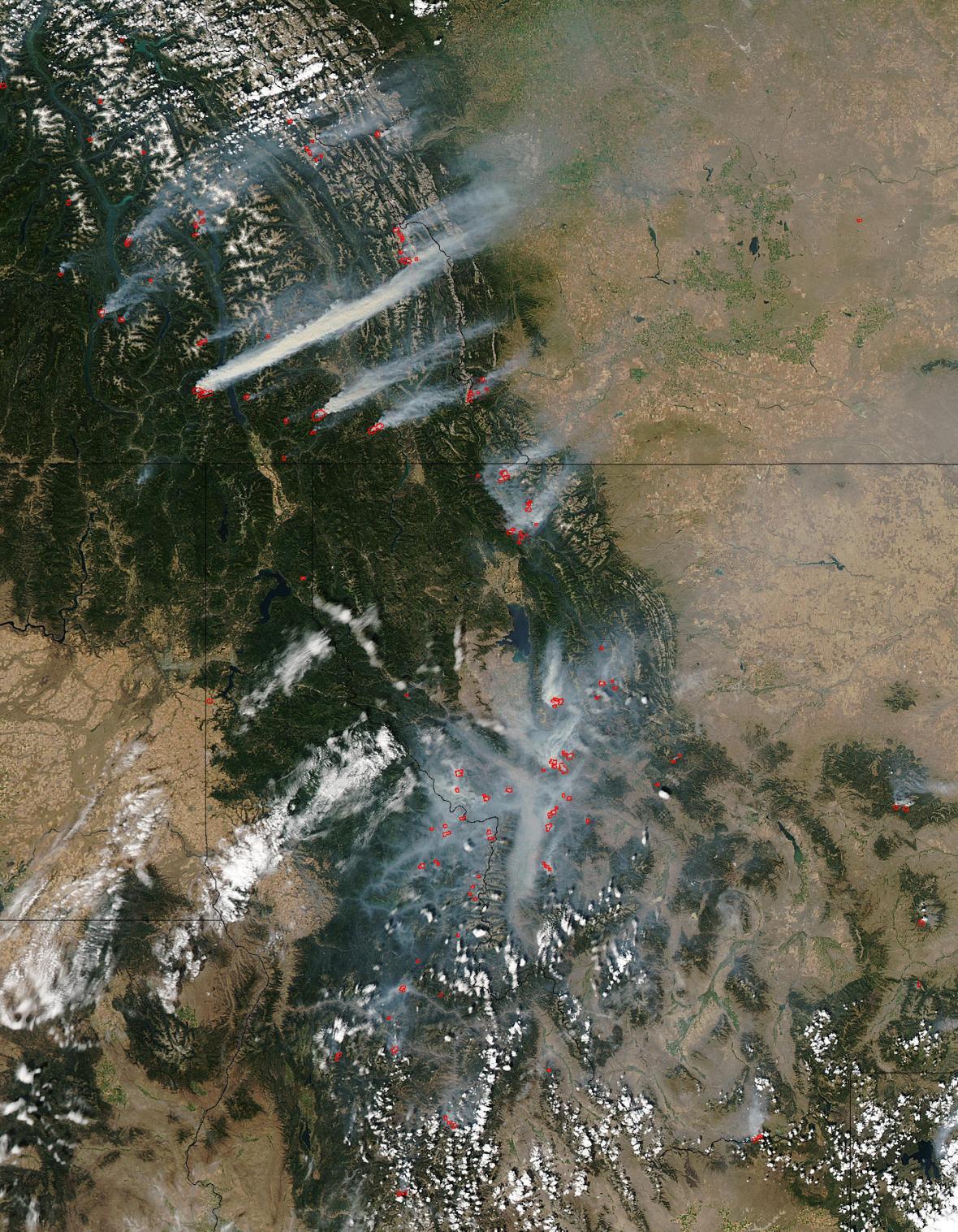 Satelitní snímky požárů v Kalifornii