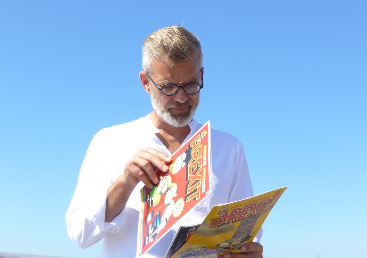 Mike Bricks se svým komiksem