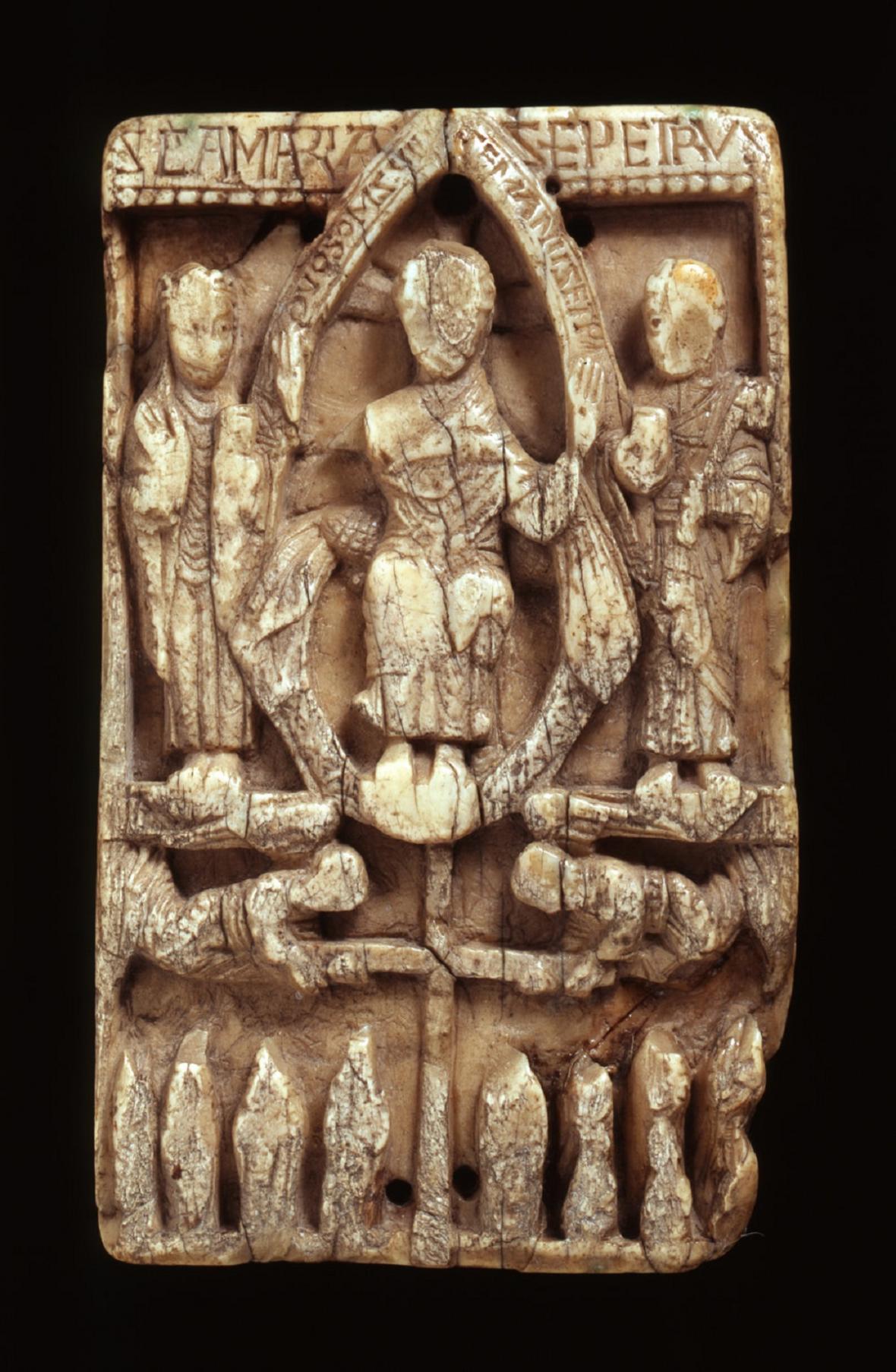 Ukázka středověké rytiny do mroží slonoviny