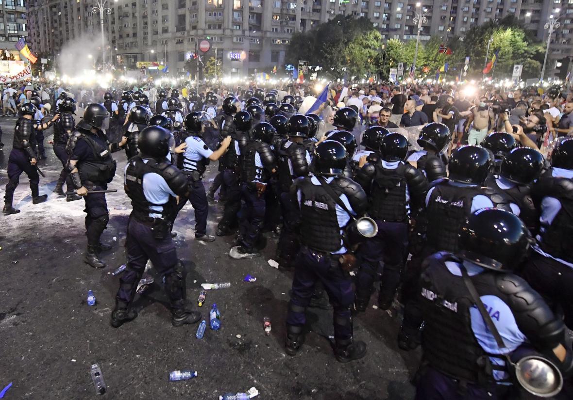 U protestů v Rumunsku zasahovala pořádková policie
