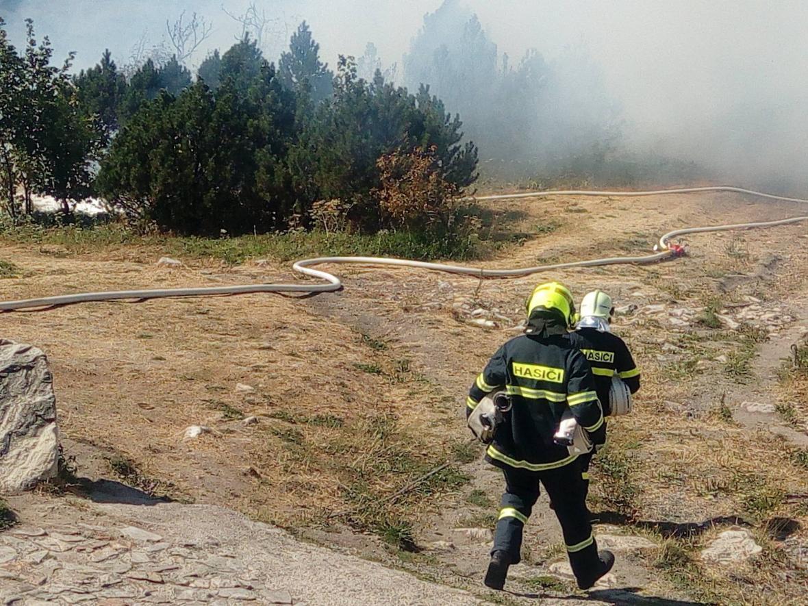 Požár na vrcholu Ještědu