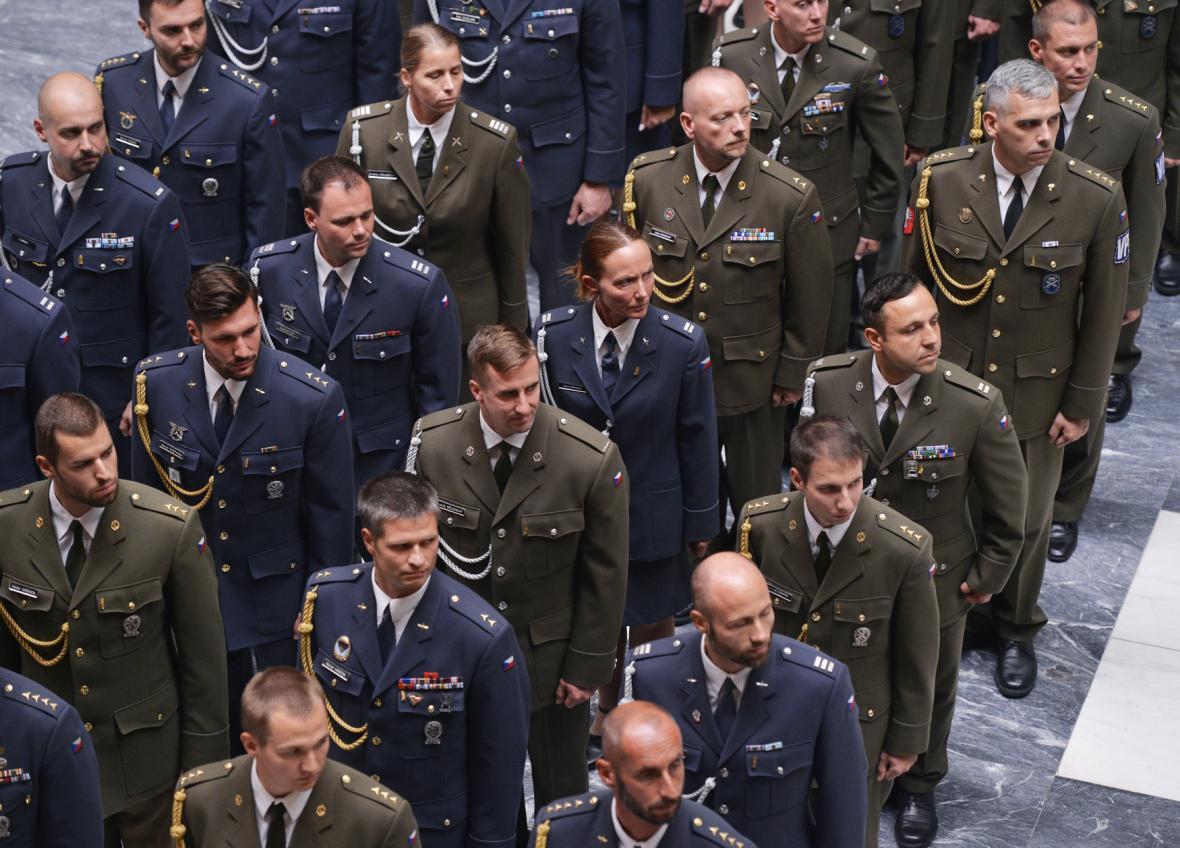Slavnostní nástup vojáků na Vítkově