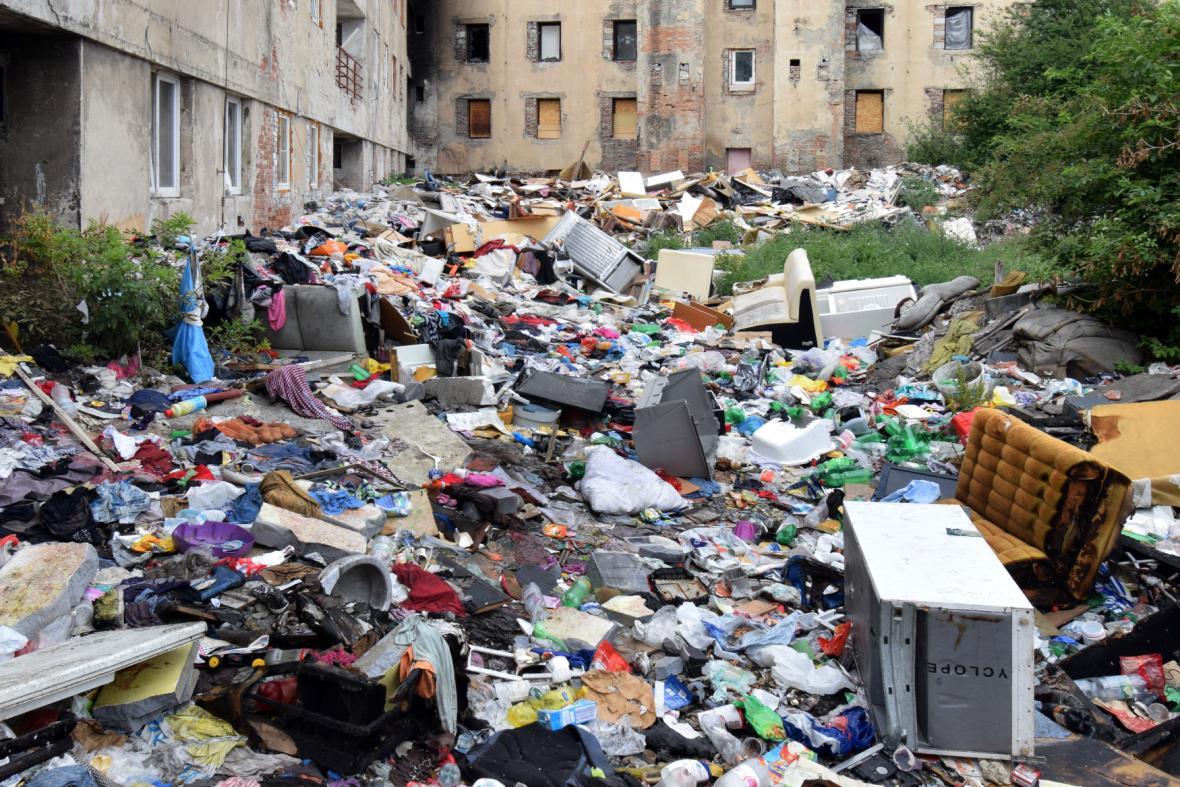 Domy v ústeckých Předlicích, kde žijí především Romové