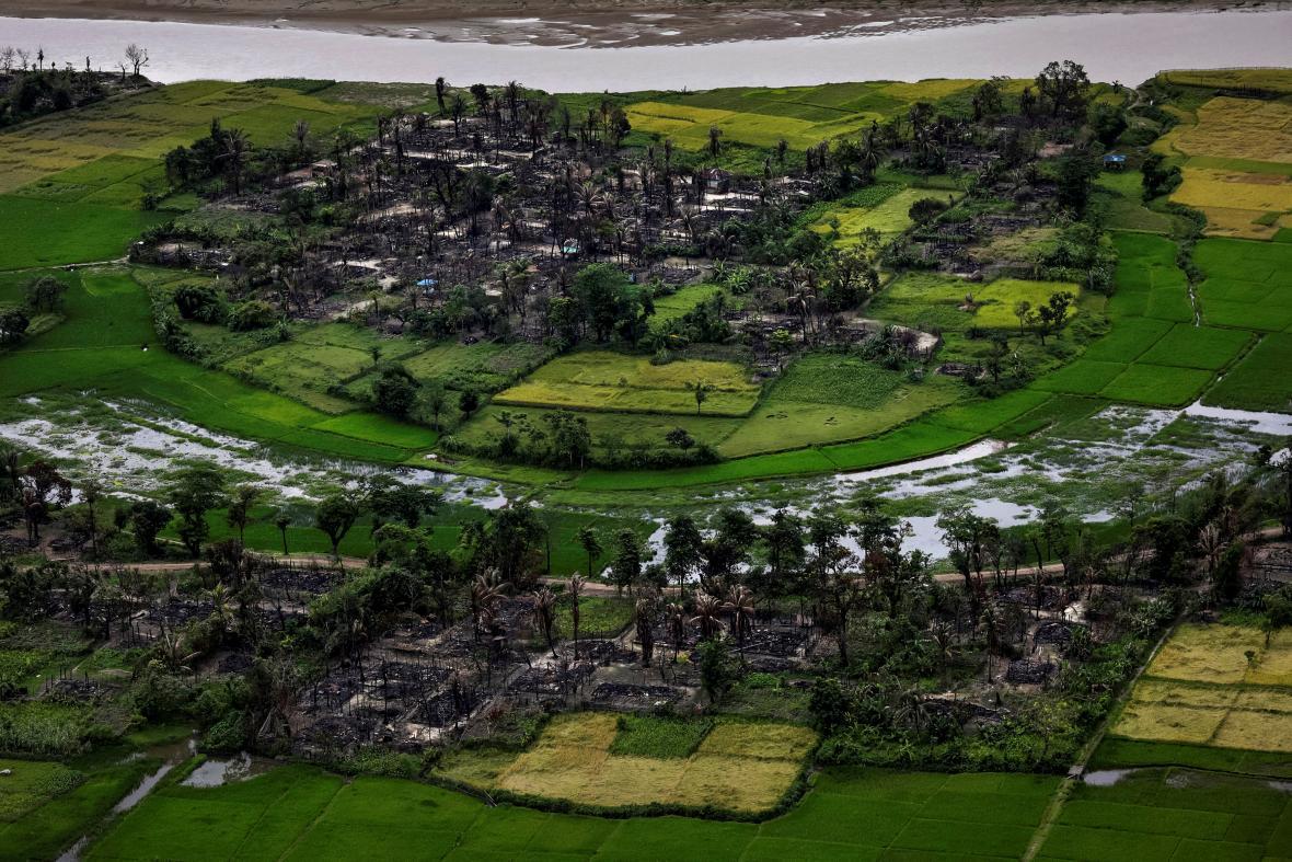 Vypálená rohingská vesnice