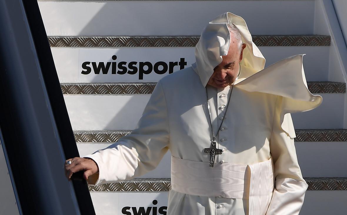 Papež František na letišti v Dublinu