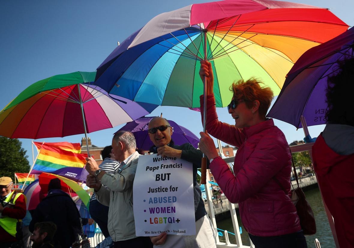 Protest proti papežově návštěvě v Dublinu