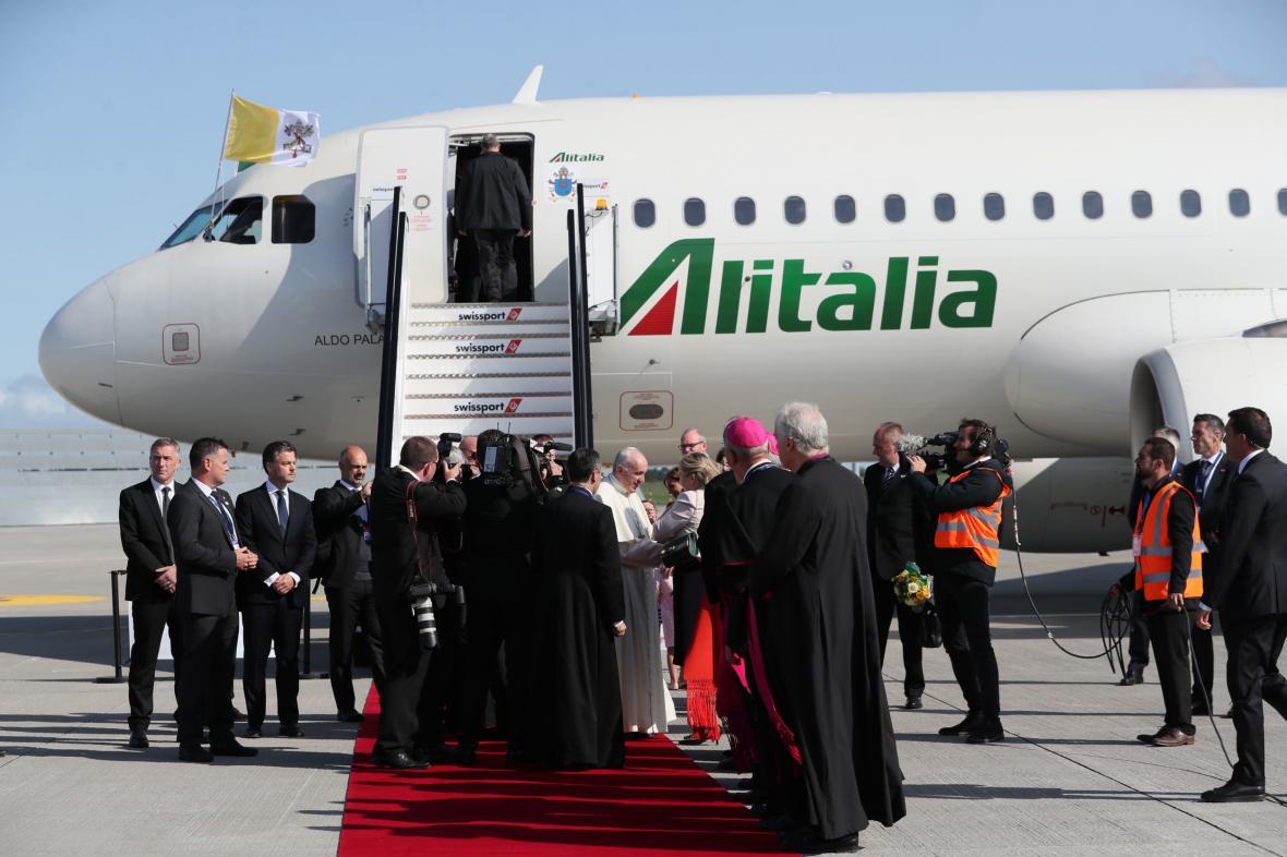 Přílet papeže Františka do Dublinu