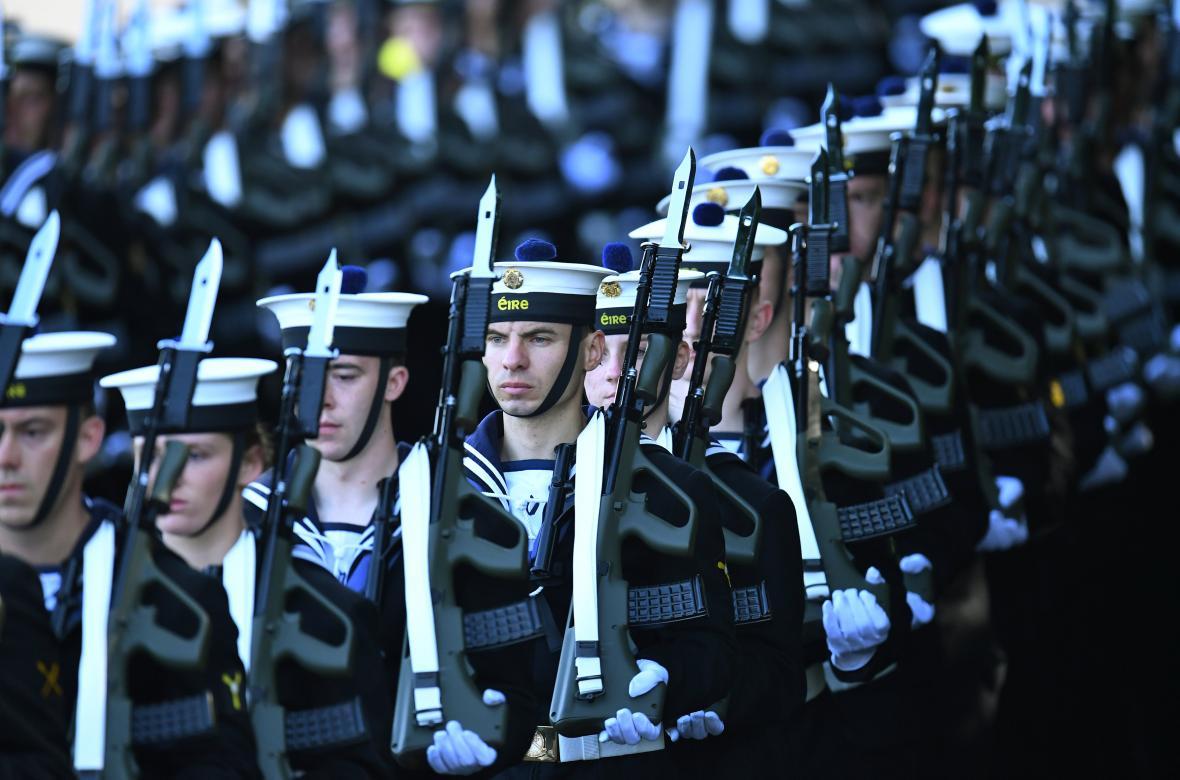 Papeže uvítalo irské námořnictvo