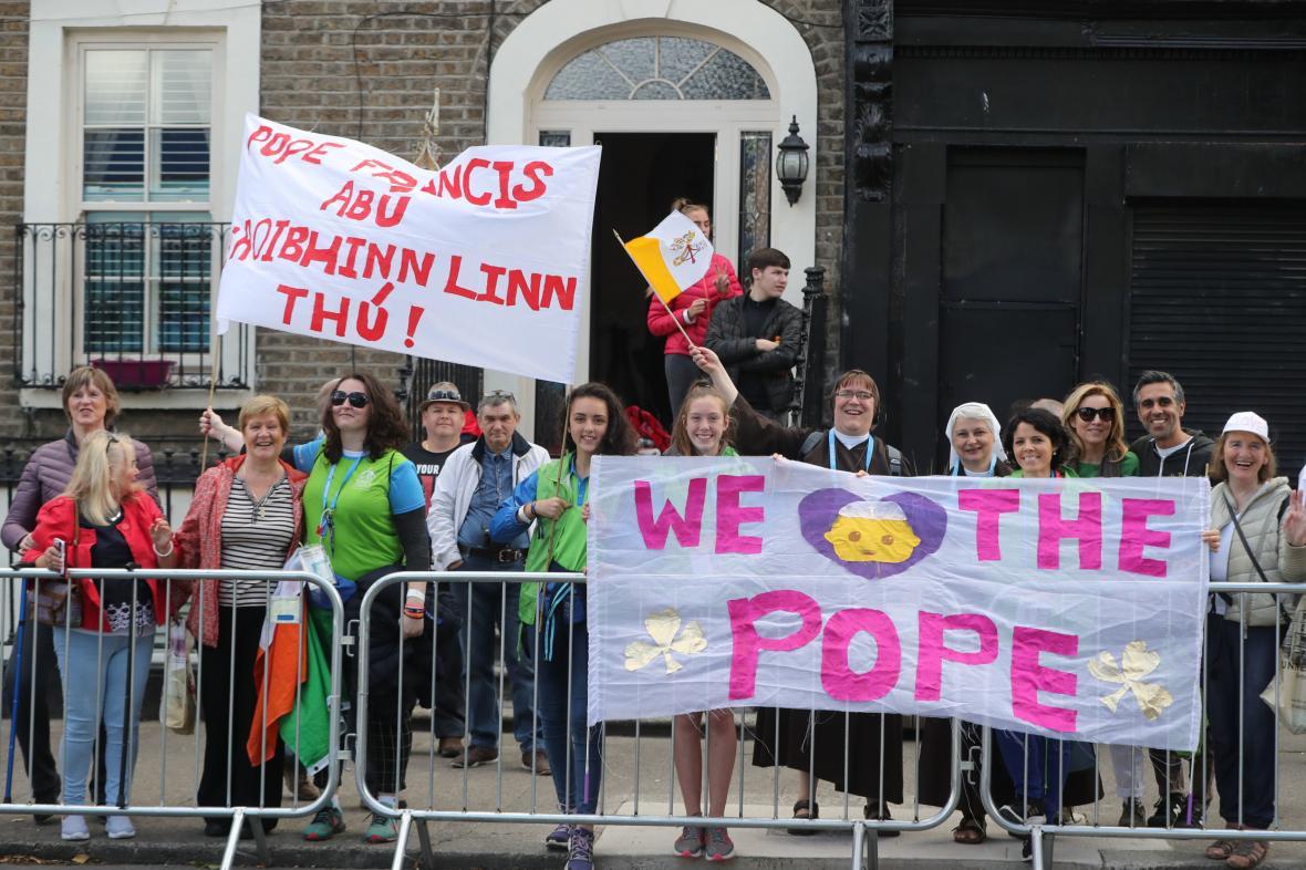 Papežovi příznivci v Irsku