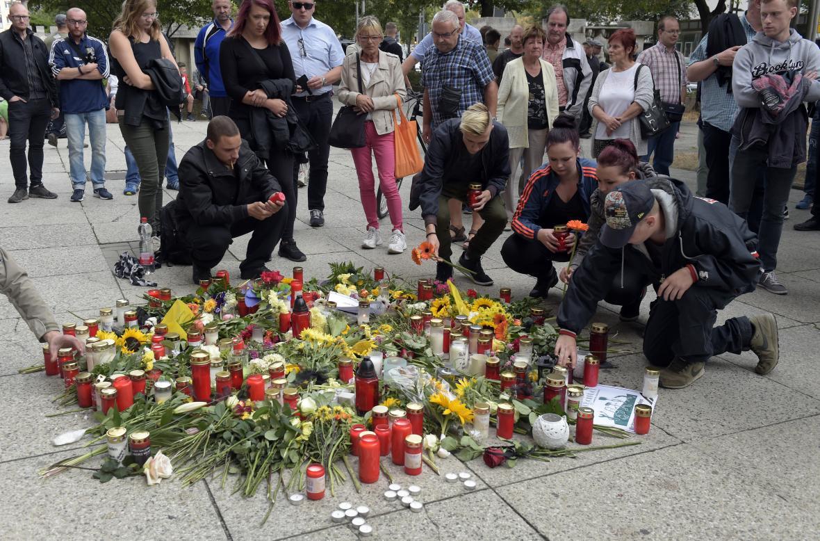 Pieta v místech, kde byl ubodán pětatřicetiletý Němec