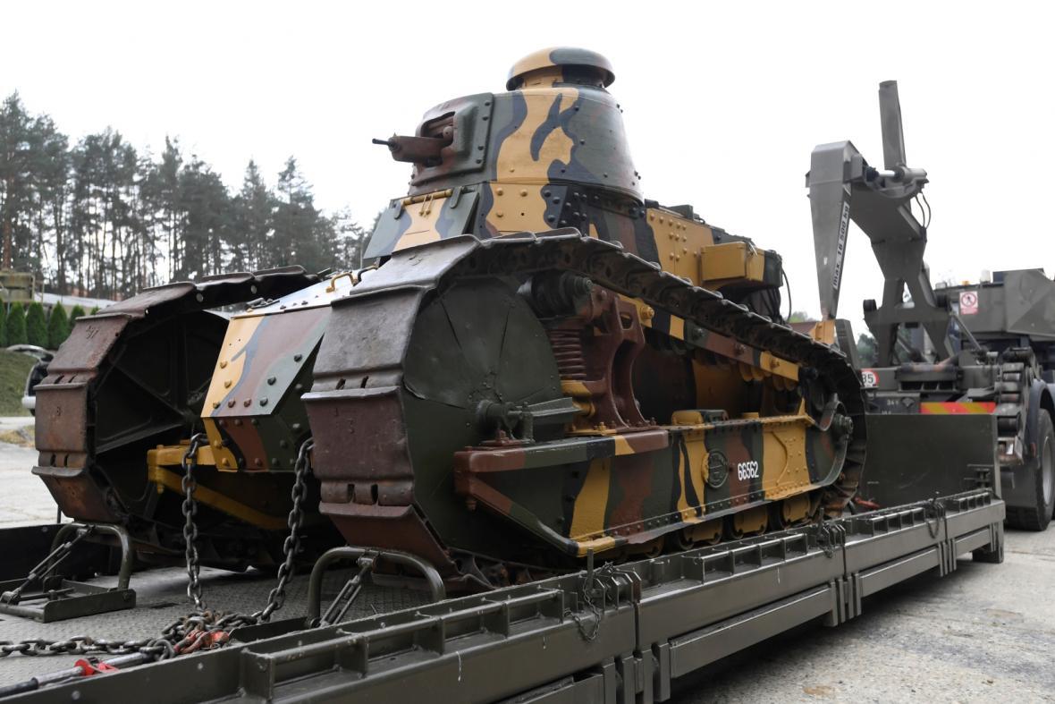 Historický tank Renault FT-17
