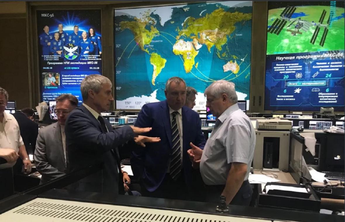 Řešení hledali i experti v ruské kosmické agentuře Roskosmos