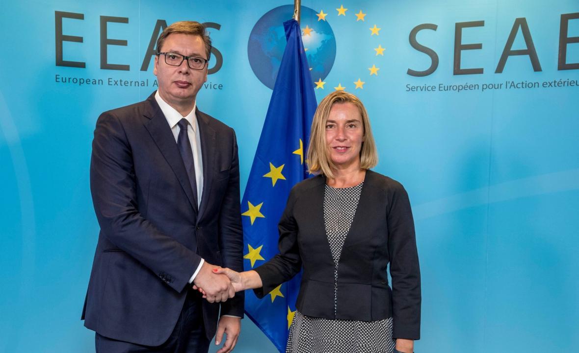 Federika Mogheriniová a Aleksandar Vučić v Bruselu