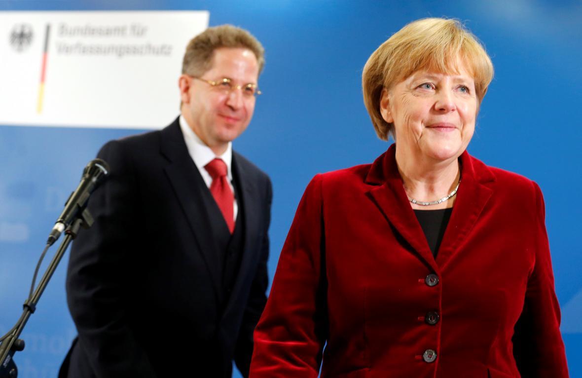 Šéf německé kontrarozvědky Hans-Georg Maassen s kancléřkou Angelou Merkelovou