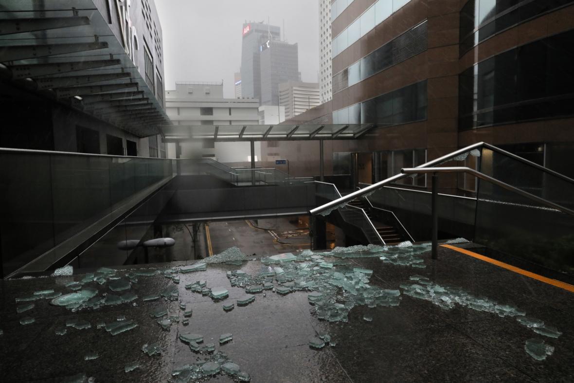 Škody po tajfunu Mangkhut v Hongkongu