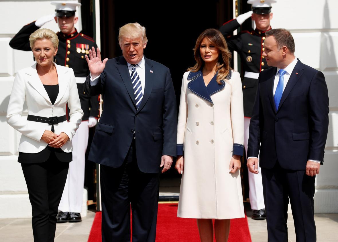 Polský prezidentský pár po přijetí v Bílém domě