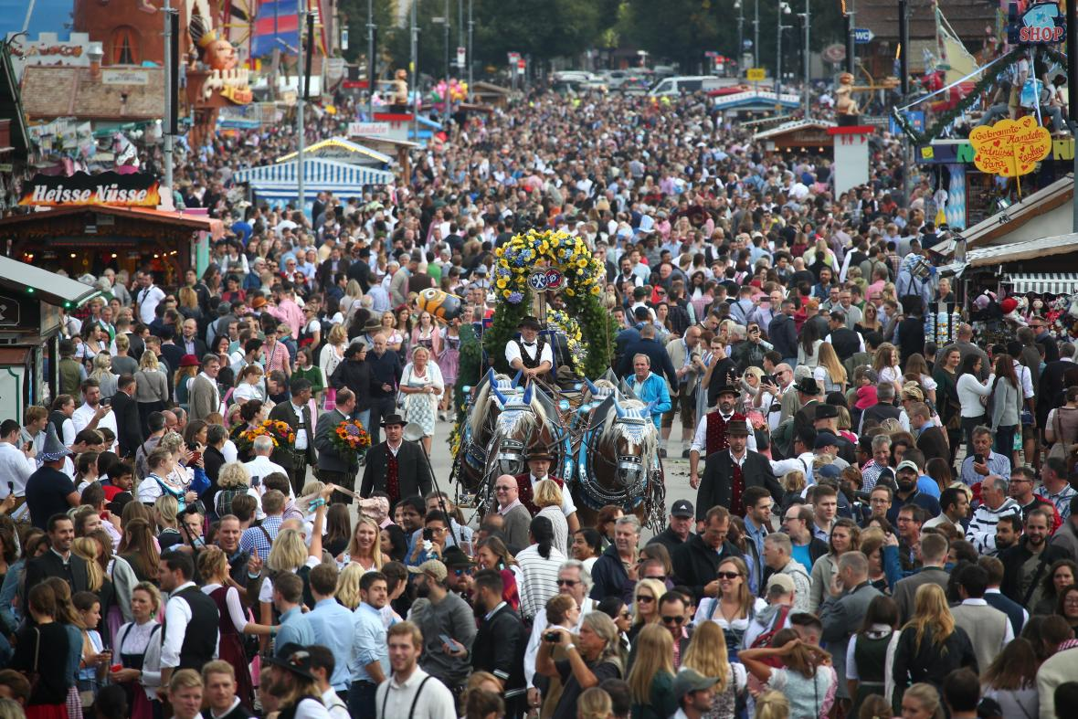 Pořadatelé očekávají na letošním Oktoberfestu až šest milionů návštěvníků