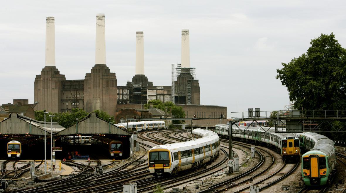 Vlaky a elektrárna Battersea
