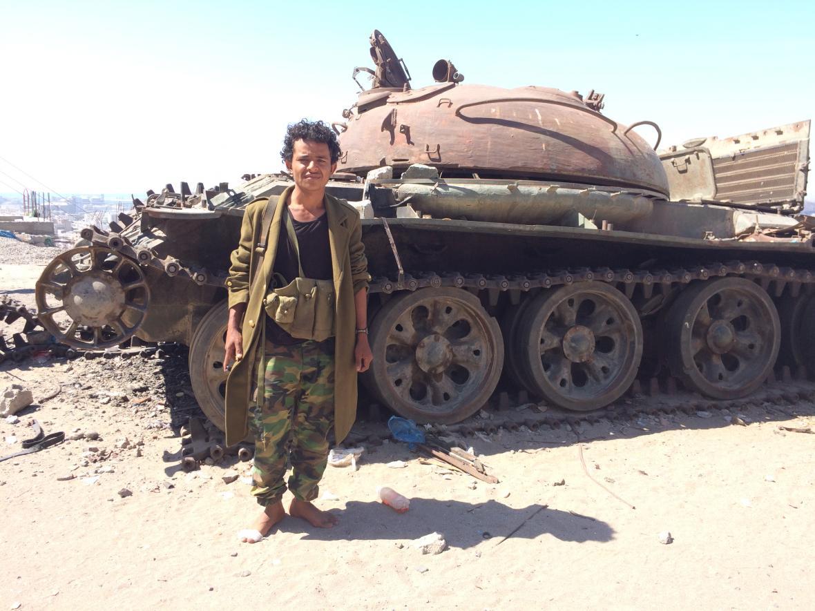 Příslušník jižanských jemenských separatistů z milice Bezpečnostní pás, únor 2018, Aden, Jižní Jemen