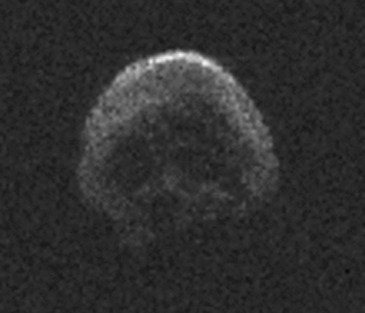 Radarový snímek asteroidu 2015 TB145