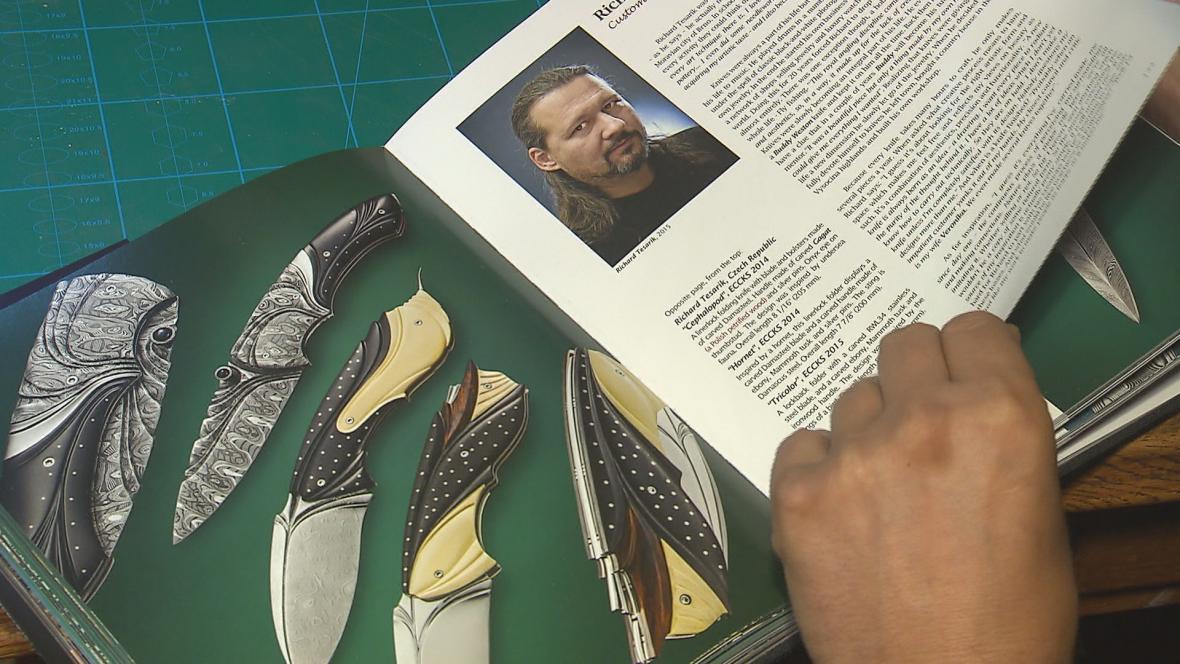 Umělecký nožíř Richard Tesařík