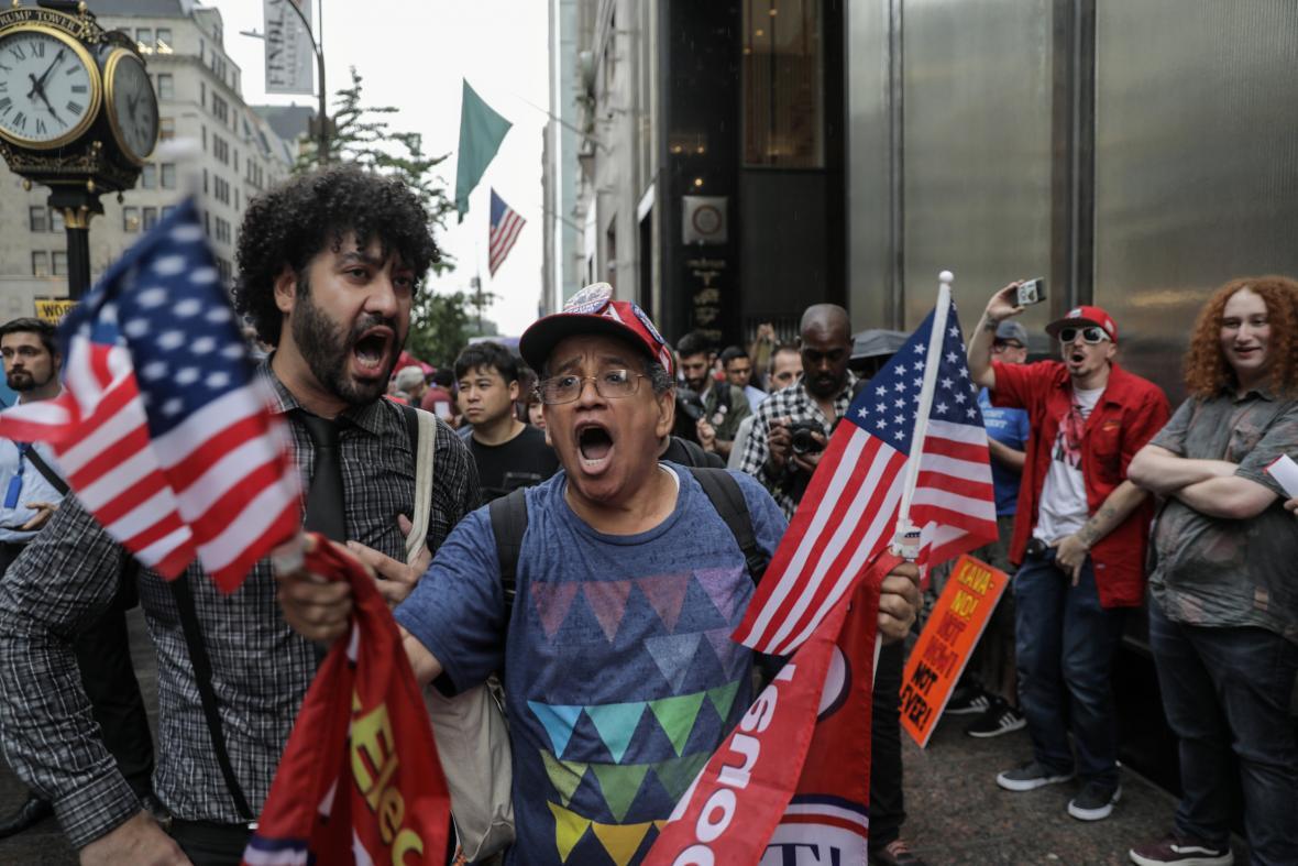 Protest před Trump Tower v New Yorku