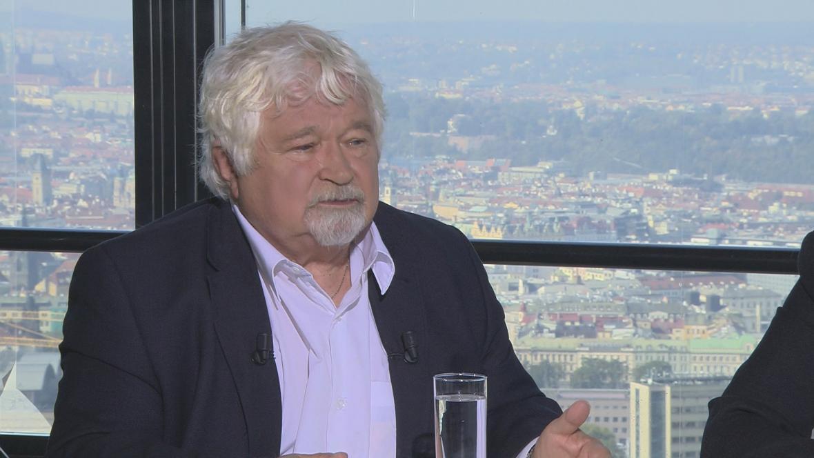 Bývalý premiér Petr Pithart (KDU-ČSL) hostem OVM