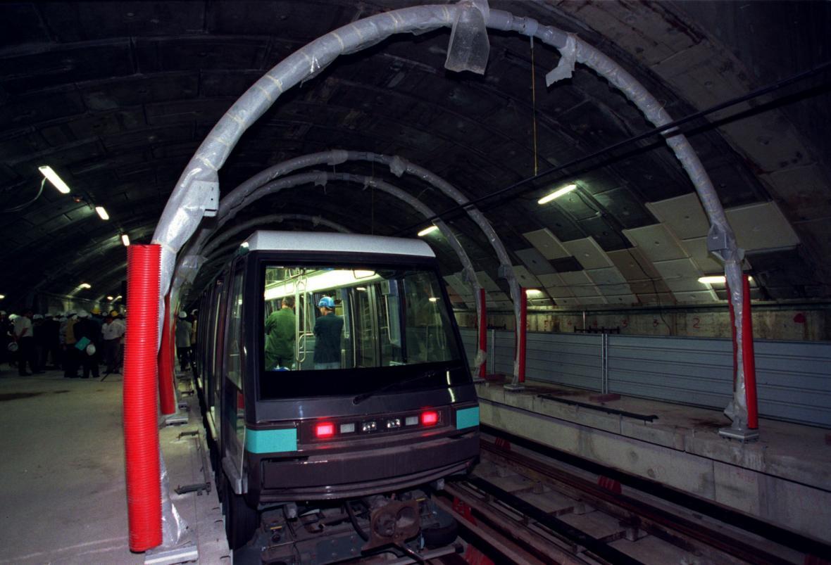 Pařížské automatické metro Meteor během stavby