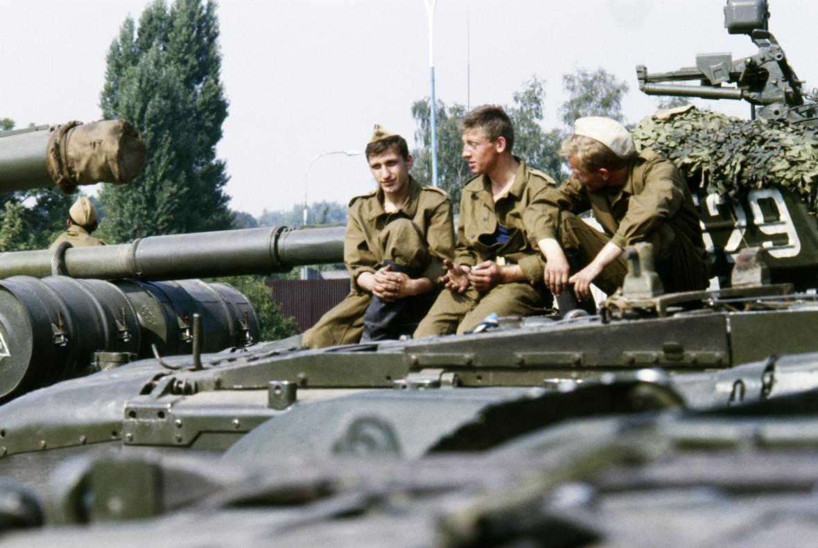 Odsun sovětských vojsk z Milovic v říjnu 1990