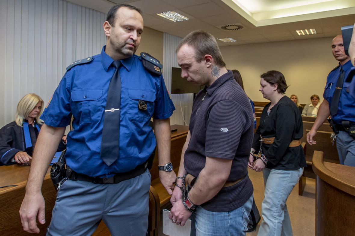 Jaroslav a Petra Janákovi u soudu