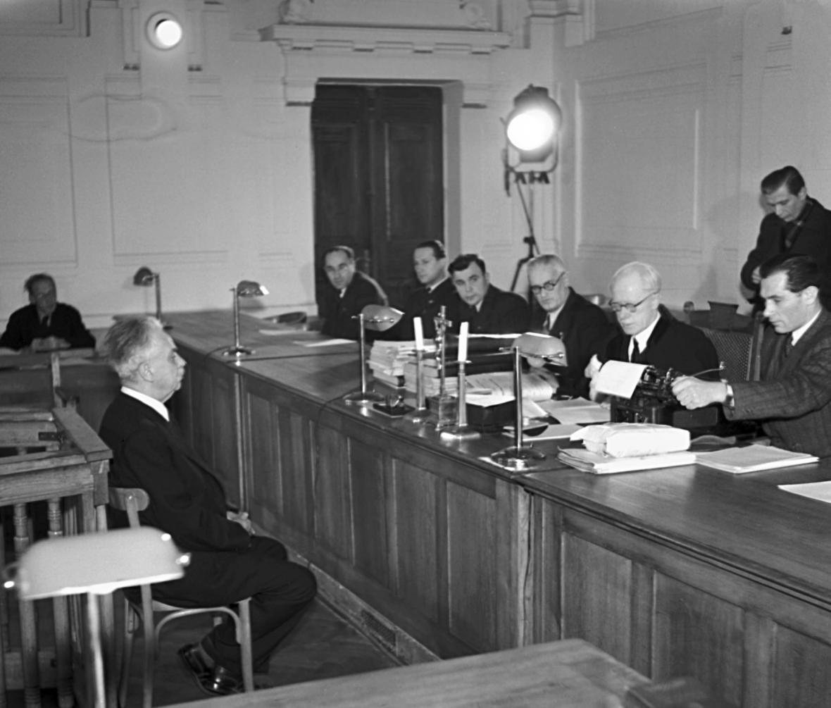 Jiří Stříbrný před soudem v roce 1947