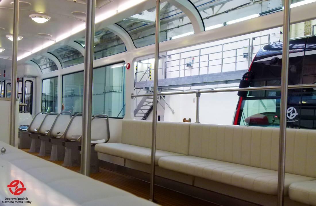 Interiér tramvaje T3 Coupé