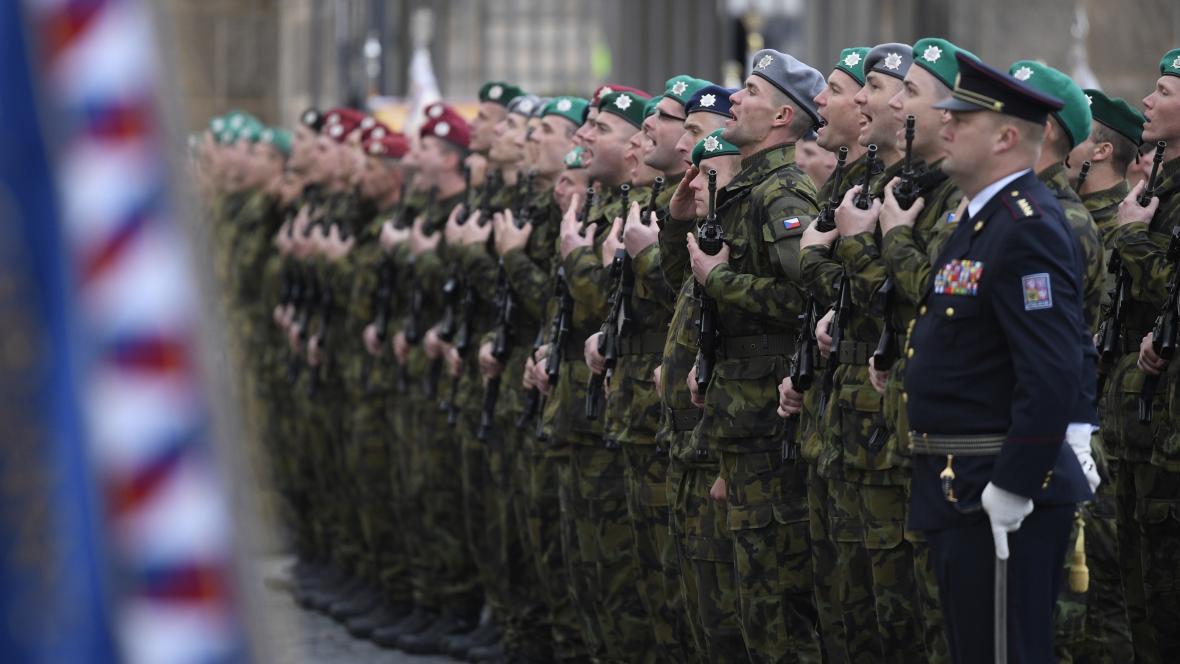 Slavnostní přísaha vojáků na Hradčanském náměstí