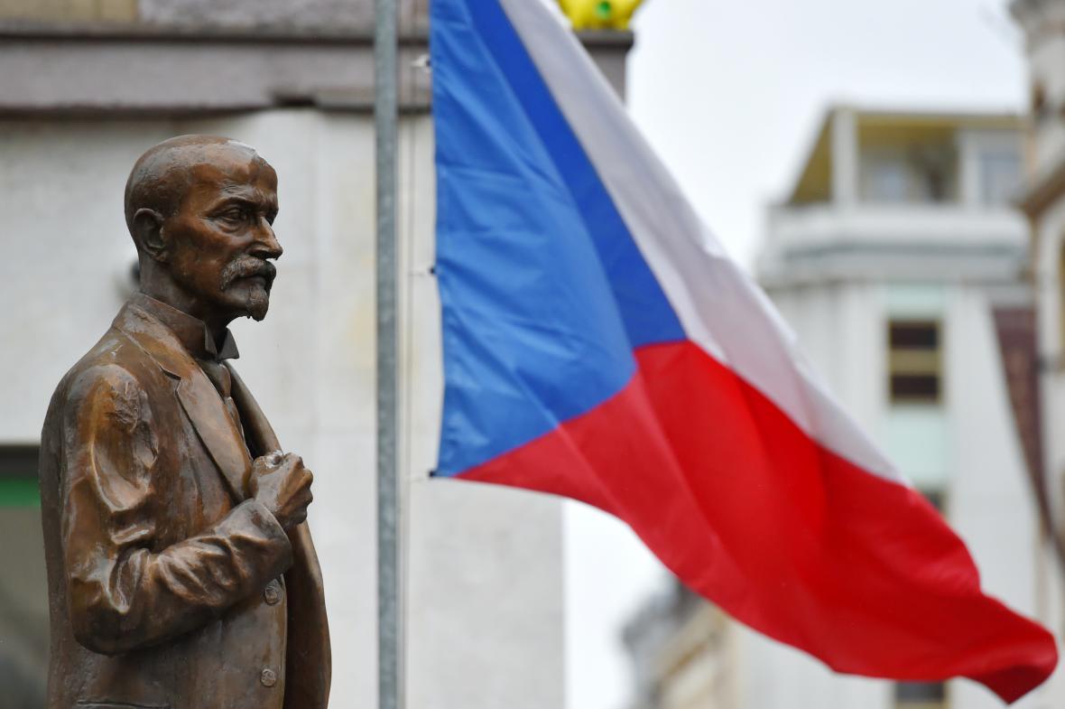 100. výročí založení Československa v Karlových Varech si připomněla více než stovka lidí