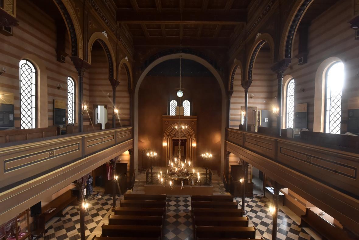 Současná podoba krnovské synagogy, jediné funkční na severní Moravě a ve Slezsku
