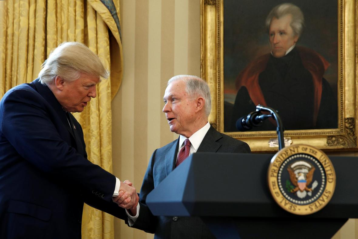Donald Trump a Jeff Sessions