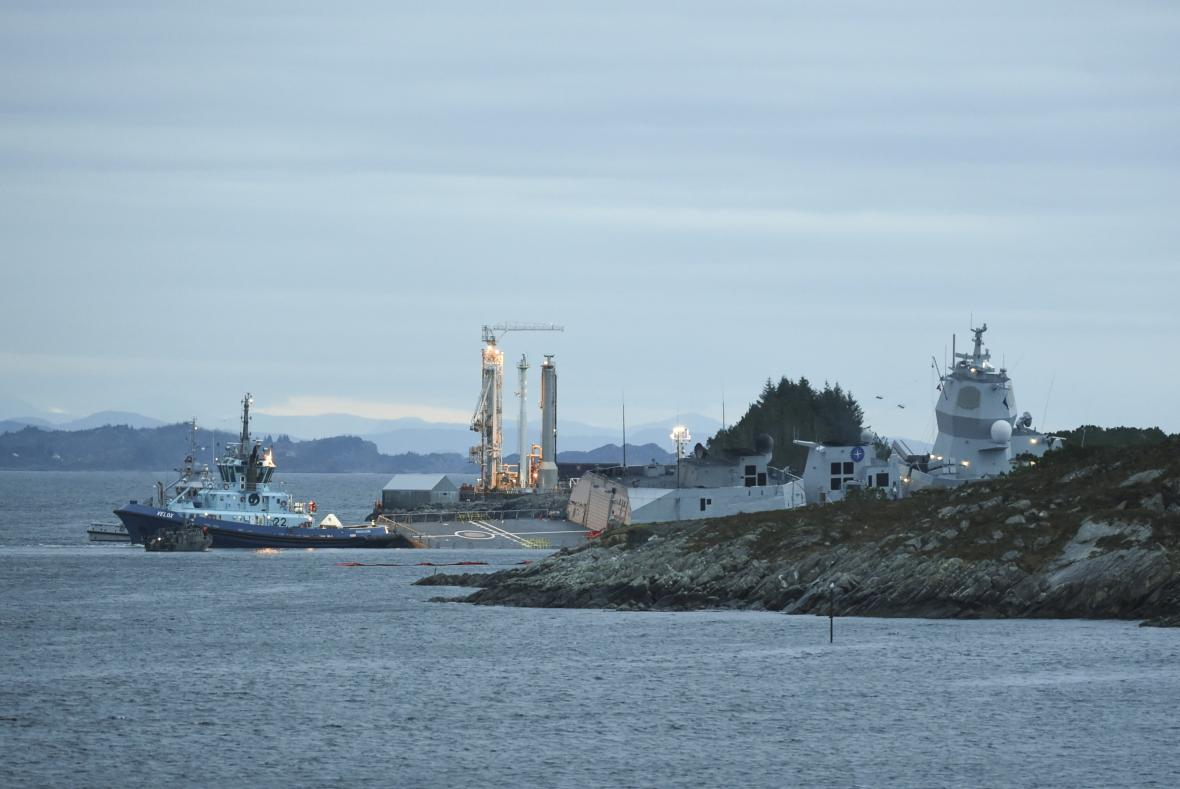 Norská fregata narazila do tankeru