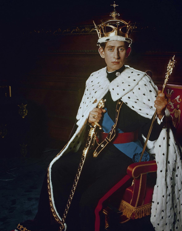 Charles s insigniemi prince z Walesu (snímek z roku 1969)