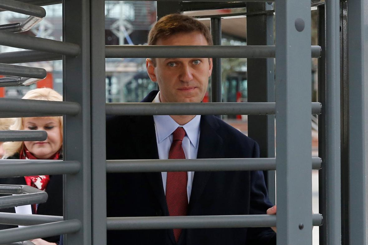 Navalnyj přichází k soudu ve Štrasburku
