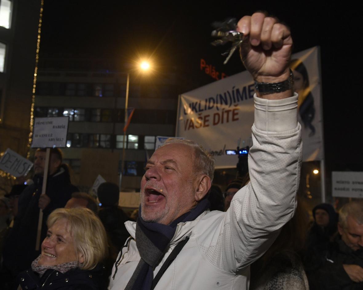 Demonstrace proti Andreji Babišovi na Václavském náměstí