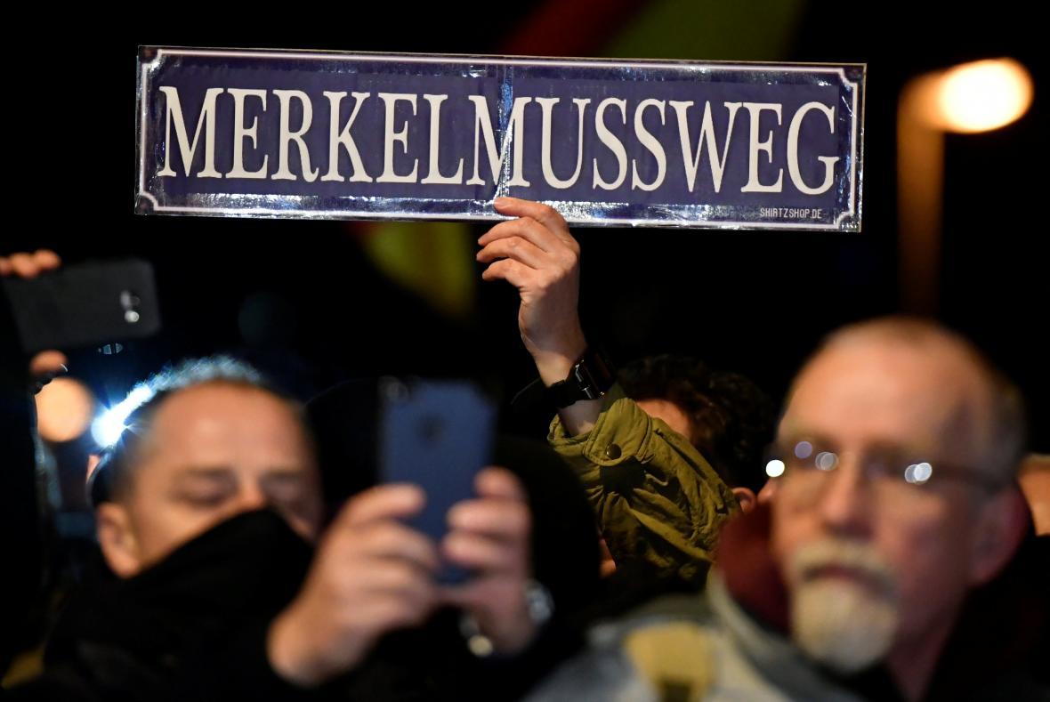 Protest proti kancléřce Merkelové