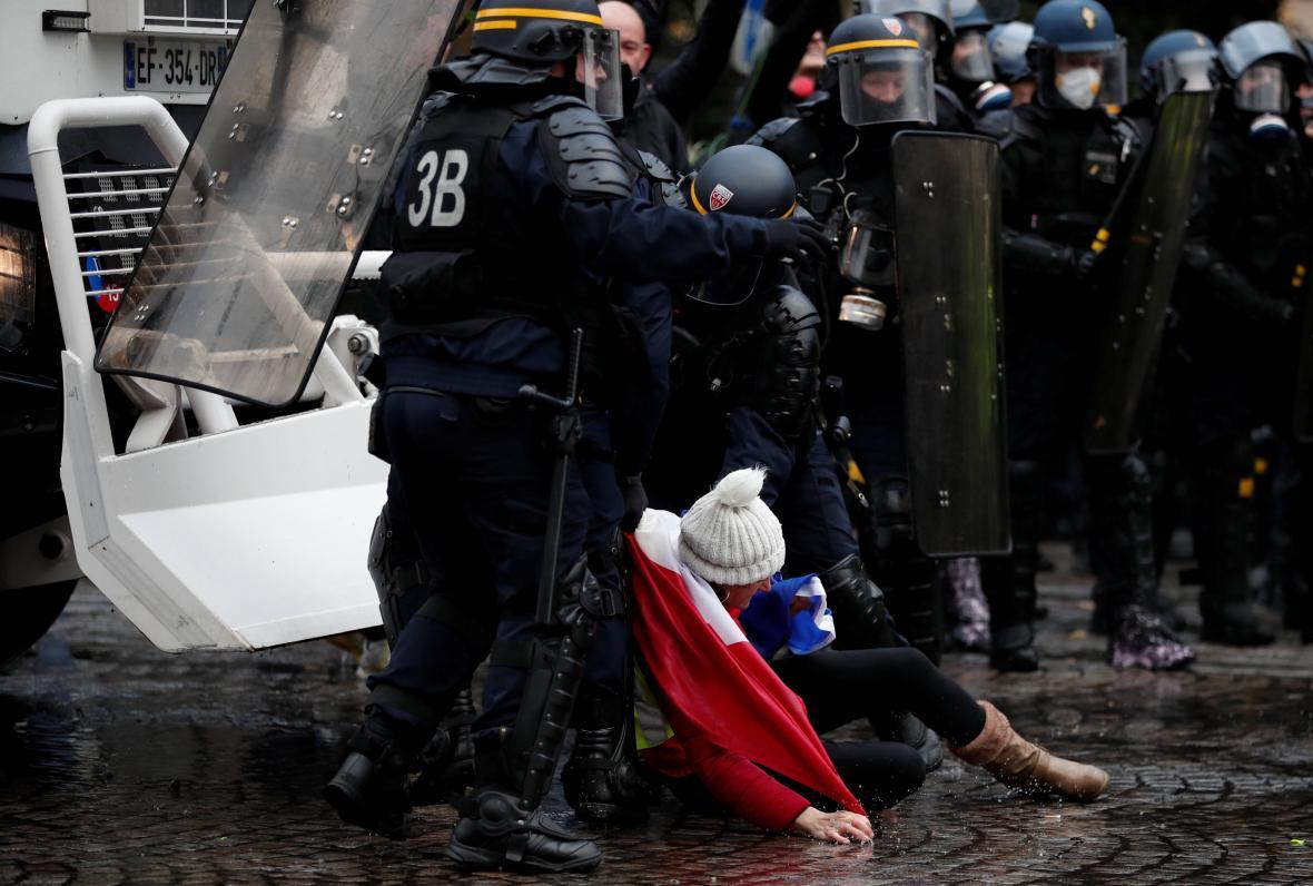 Zásah policistů ve francouzské metropoli