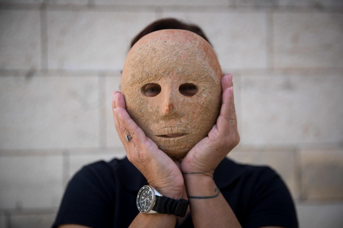 Maska z Izraele stará devět tisíc let