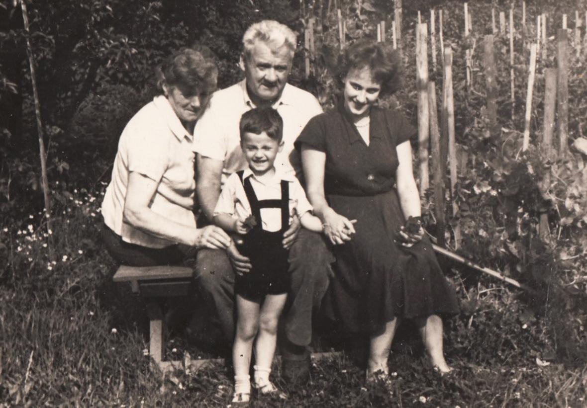 Doris Grozdanovičová se synem na návštěvě u Josefa Urbana