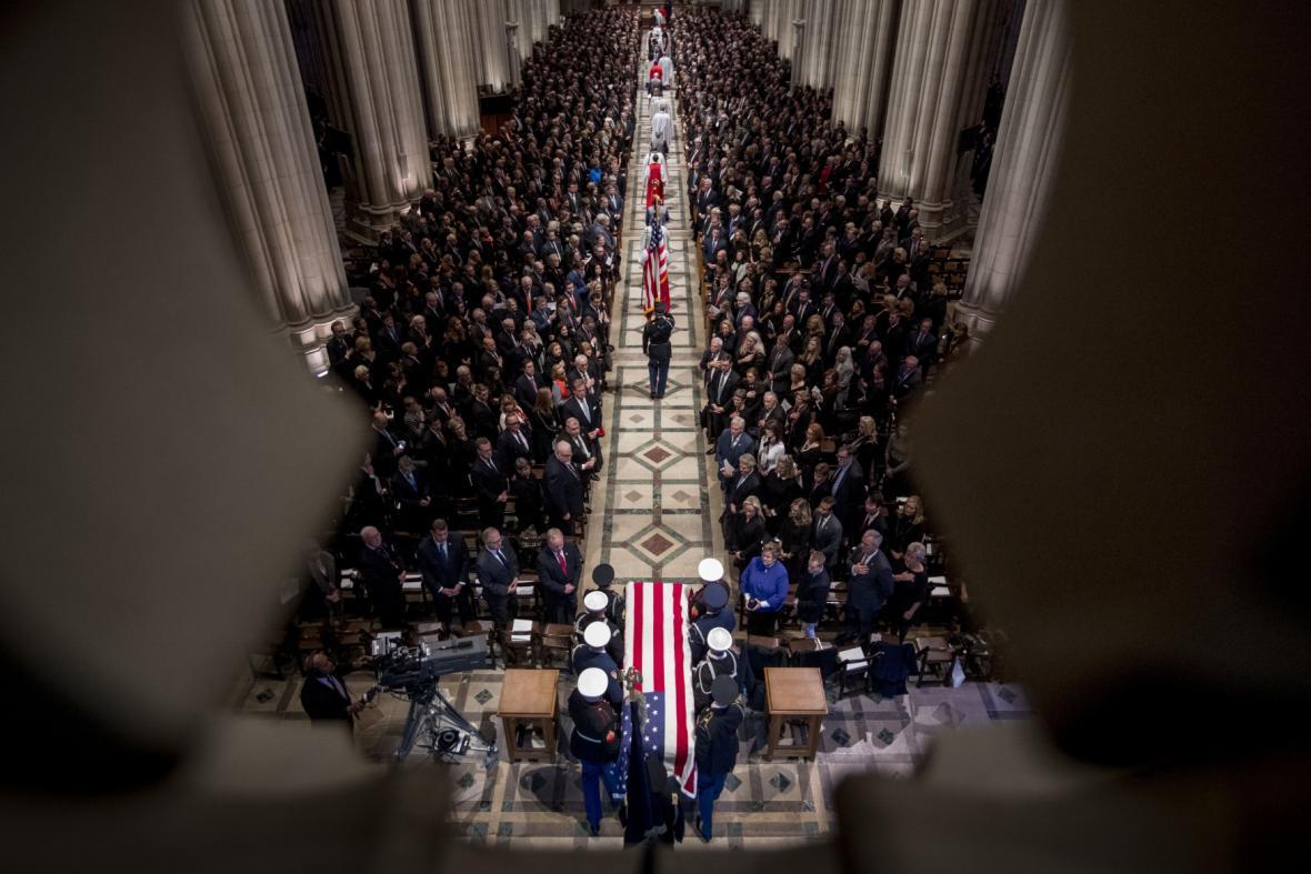 Pohřeb George Bushe staršího v Národní katedrále ve Washingtonu