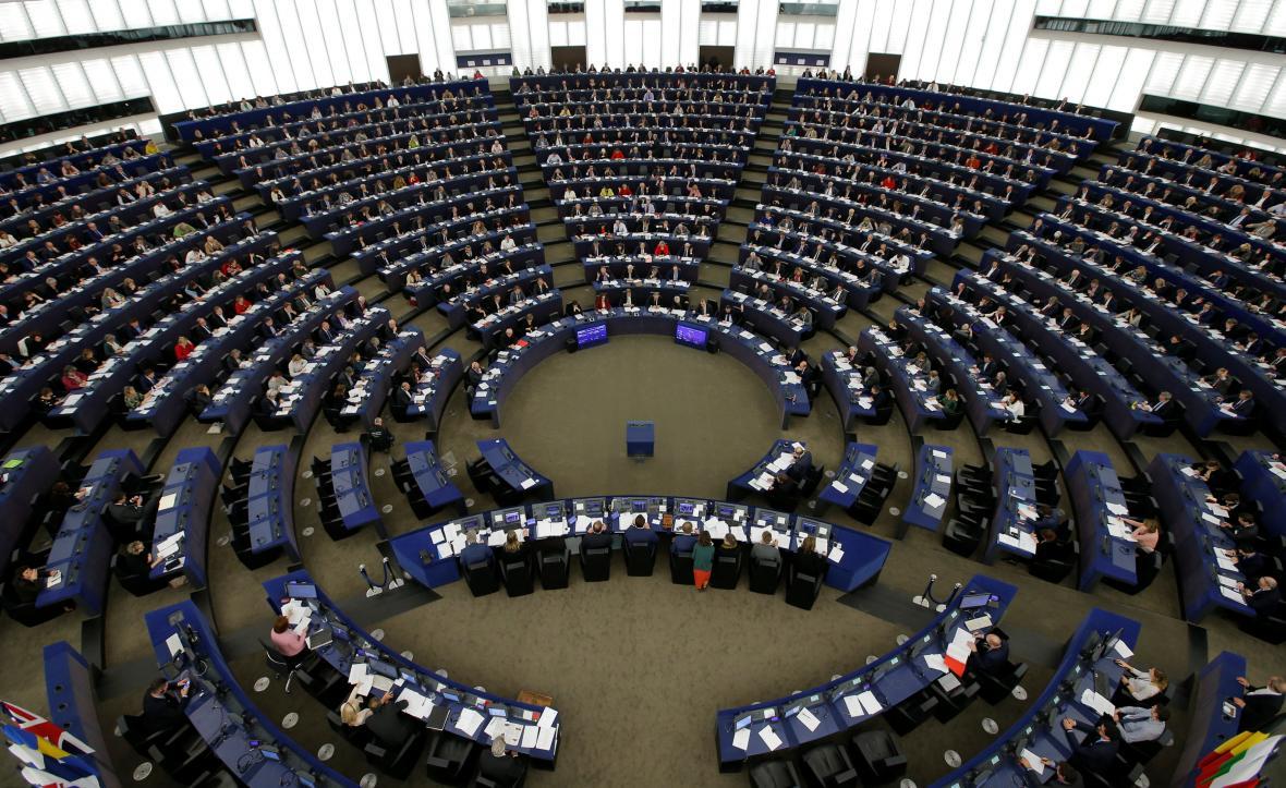 Členové Evropského parlamentu na úterním zasedání ve Štrasburku