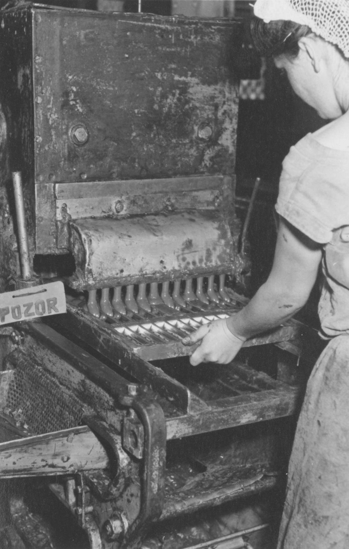 Výroba v Zoře  v minulém století