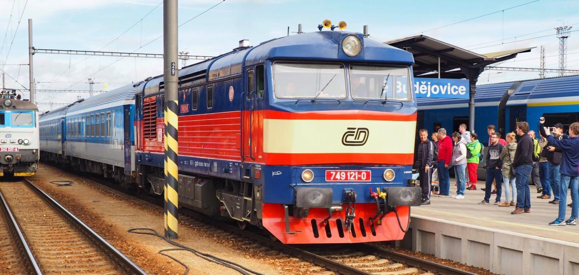Padesátiletá lokomotiva